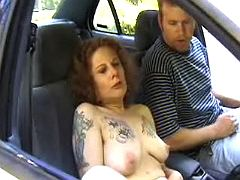 Tattooed oldie throating in the car