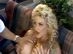 Sexy mom gets facial explosion