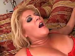 Blonde elder mature fucks in all holes